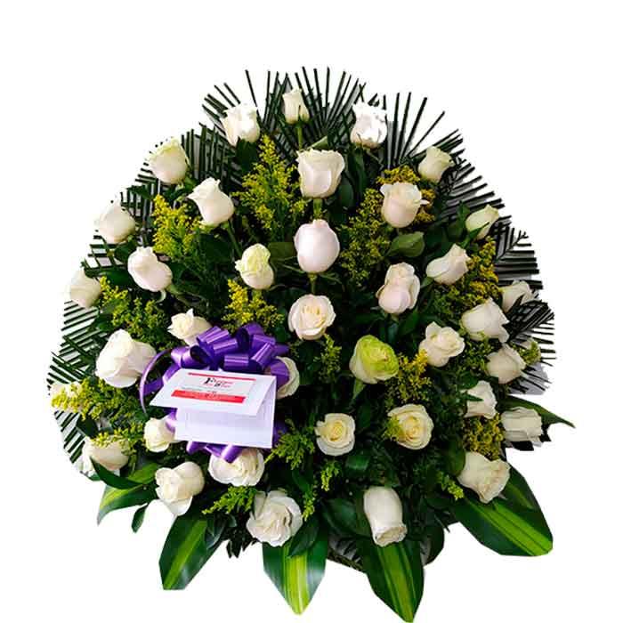 Abanico-Funebre-Flores-Blancas_Floristerias-en-cali