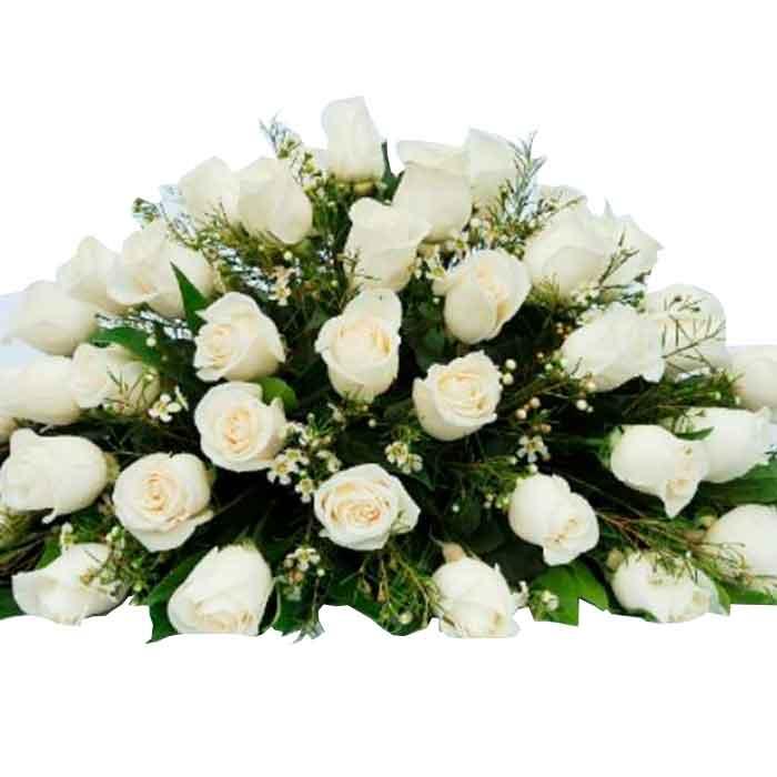 Cubre-caja-Funebre-Rosas-Blancas_Floristerias En cali